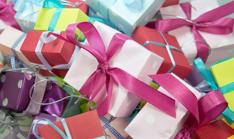 Parents: Please Let Kids Open Presents at Birthday Parties