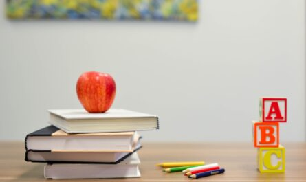 Back to school, books and apple